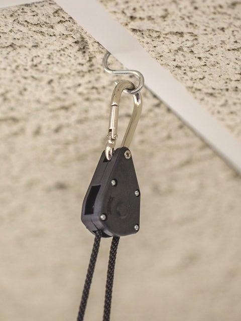 Ratchet Hook Light Hanger 2/pk