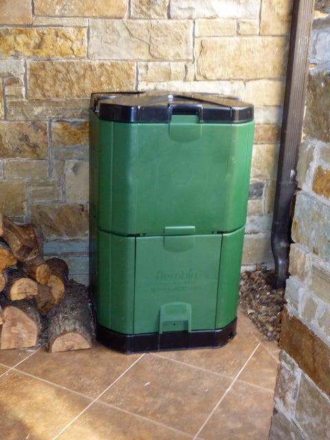 Aerobin 400 Insulated Composter